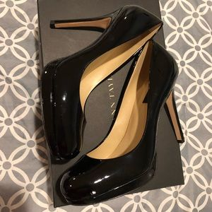 Black Patent Platform Pumps from Ann Taylor S-7.5
